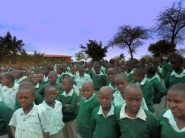 In the village there are living 1000 children that have have been orphaned due to AIDS / HIV.