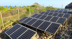 Beach-Lodge-with-solar-energy_Mozambique