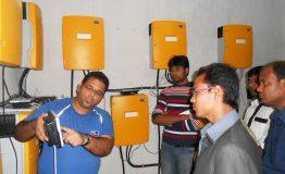 "Me explaining the battery inverters ""Sunny Island"""