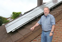 Starting September 1990, the federal and state governments' 1,000 Roofs Program used a set quota to subsidize photovoltaics in Germany.