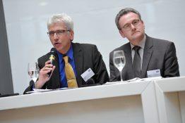 Bertram Hilgen, Oberbürgermeister der Stadt Kassel, und Uwe Schmidt, Landrat des Landkreises Kassel