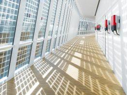 Glasfassade mit Sunny Boy-Wechselrichtern in SMA Solar Academy