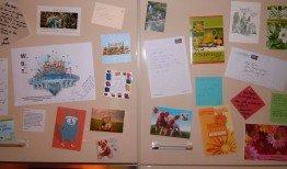 Die Kollegen haben viele Glückwunschkarten geschrieben.