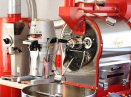 In der Maschine werden die Bohnen geröstet.