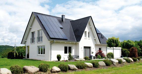 Hausdachanlage eines Einfamilienhauses in Deutschland