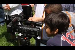"""Bei dem Video """"Hoffnung"""" zu Kinderarmut haben Kinder aus Helleböhn tatkräftig mitgearbeitet."""