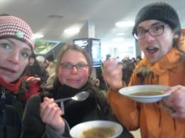 Stärkung von der mobilen Suppenküche