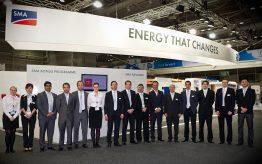Mitarbeiter von SMA Australia auf der Solar-Messe ATRAA 2012