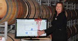 Mit dem Durchschneiden des Bandes am SMA Flashview-Monitor wurde die Veranstaltung von der Senatorin für Südaustralien Anne McEwan offiziell eröffnet.