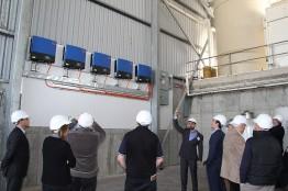 David Buetefuer von The Solar Project erläutert die Vorteile von SMA-Wechselrichtern.