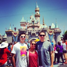 Ein wunderschöner Tag im Disneyland.