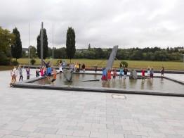 Die Kinder amüsierten sich am Wasserpark in der Aue.
