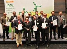 Wollen ihre Energieversorgung langfristig zu 100% aus Erneuerbaren bestreiten: die ausgezeichneten 100-ee-Regionen