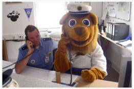 Leon auf der Polizeiwache