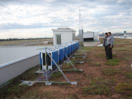Die Solar-Wechselrichter auf dem Dach des Briefzentrums