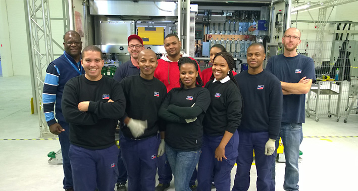 The production team of SMA South Africa in front of their first Sunny Central inverter.