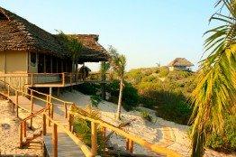 Die Travessia Beach Lodge liegt idyllisch am Strand und versorgt sich selbst mit umweltfreundlichem Solarstrom.