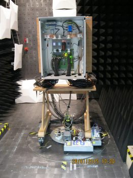 EMV-Verträglichkeit: Der Test ermittelt die Reaktion der Boxen auf elektromagnetische Strahlung.