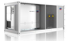 Die SMA Medium Voltage Power Station 2200SC/2500SC für DC-Spannungen von 1000/1500 Volt ist weltweit in großen und größten PV-Kraftwerken einsetzbar, bei allen Umgebungsbedingungen für die Außenaufstellung geeignet und senkt aufgrund ihrer Leistungsdichte und Kompaktheit Transport-, Installations- und Betriebskosten.