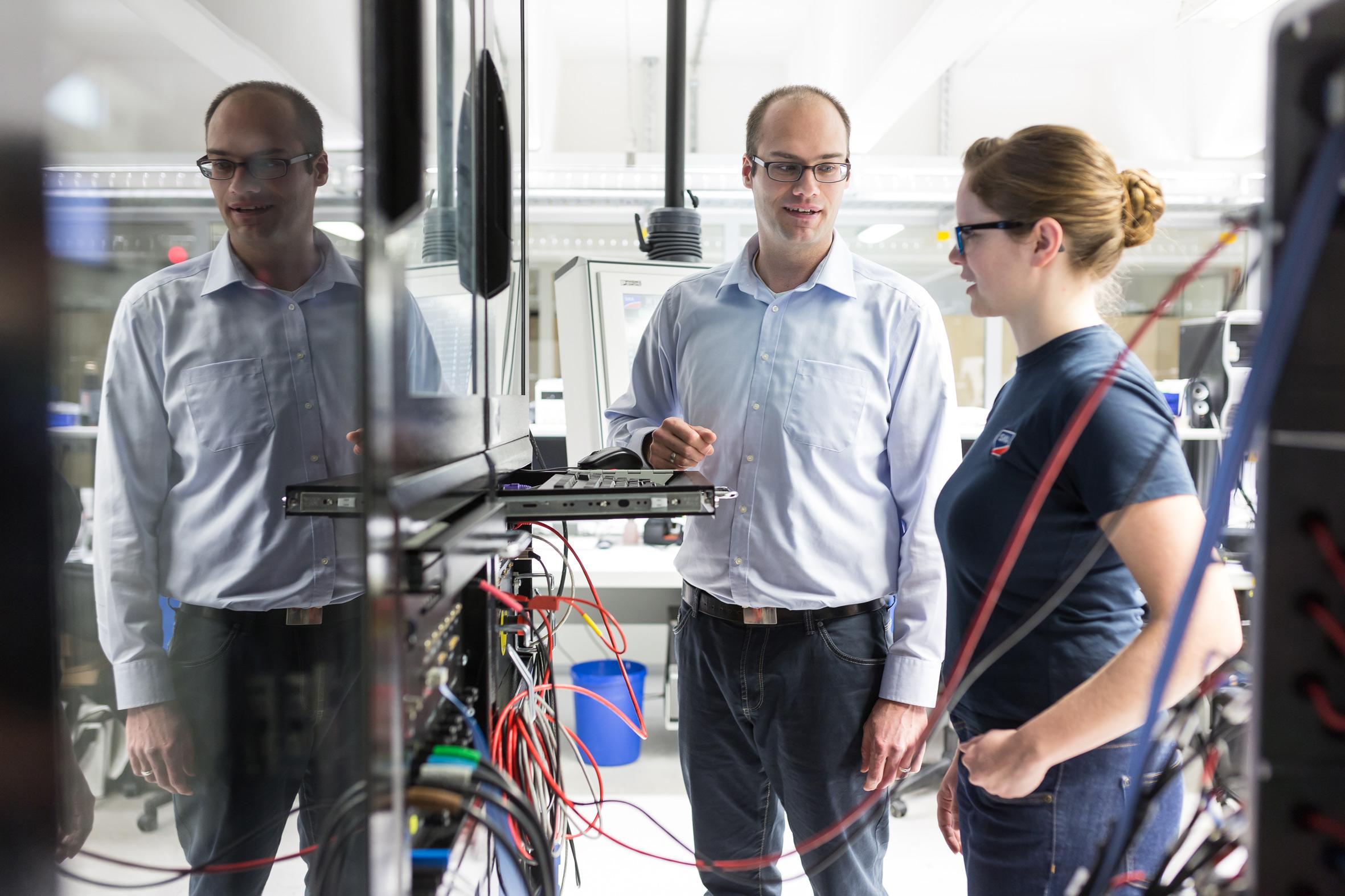 Wir holen die Welt in unsere Labore: Dazu gehören auch die Anschlussbedingungen für verschiedene Märkte