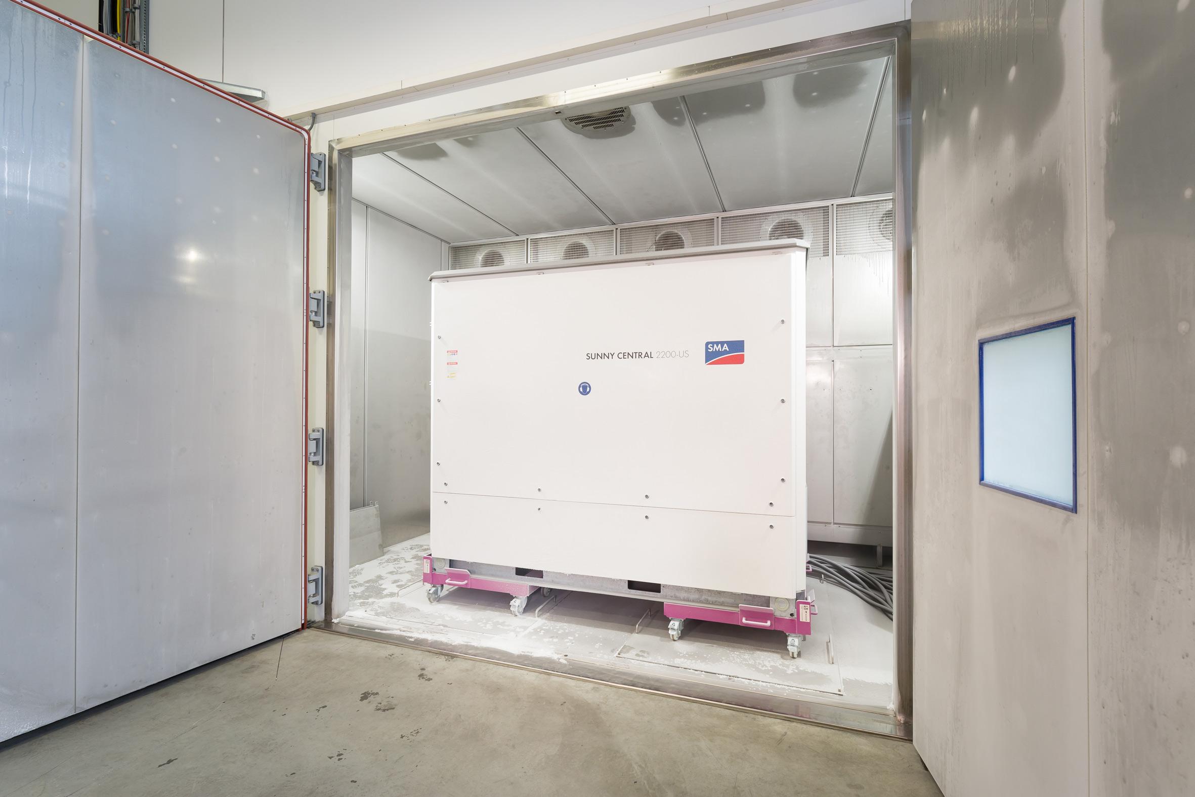 Volle Funktion trotz -70°C: Der Sunny Central in der Kältekammer