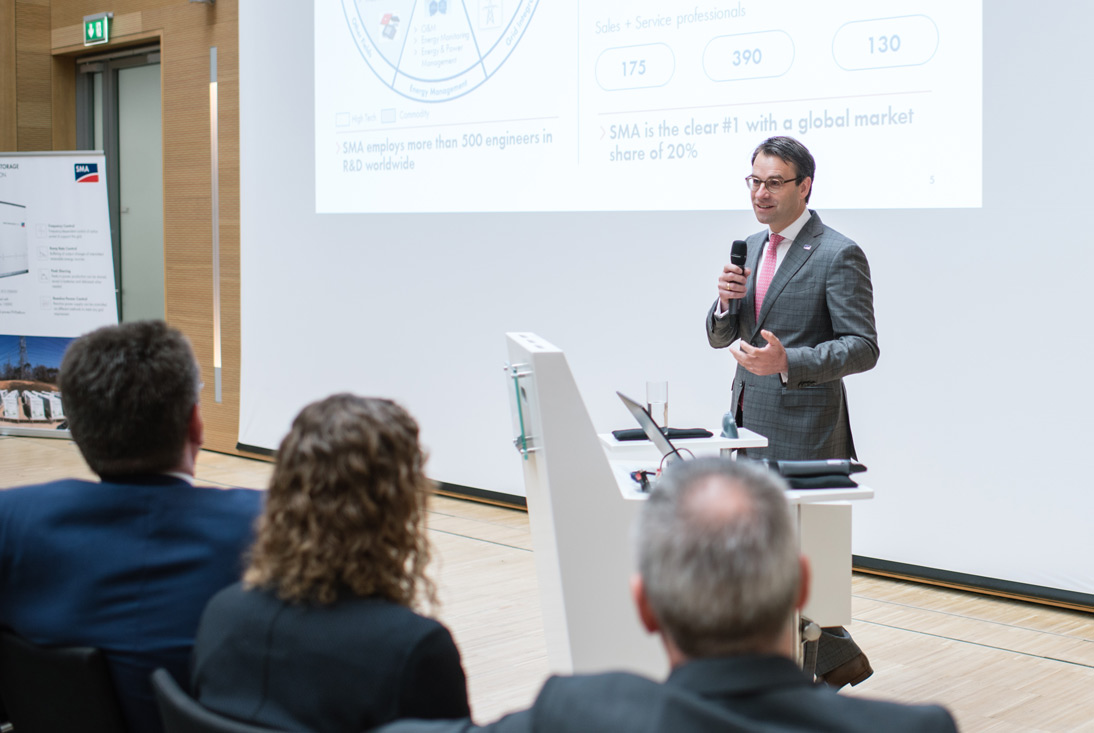 SMA CEO & CSO Pierre-Pascal Urbon sieht Batterie-Speicher als Wachstumstreiber auf dem Weltmarkt, weil sie den Kunden entsprechende Mehrwerte bieten.