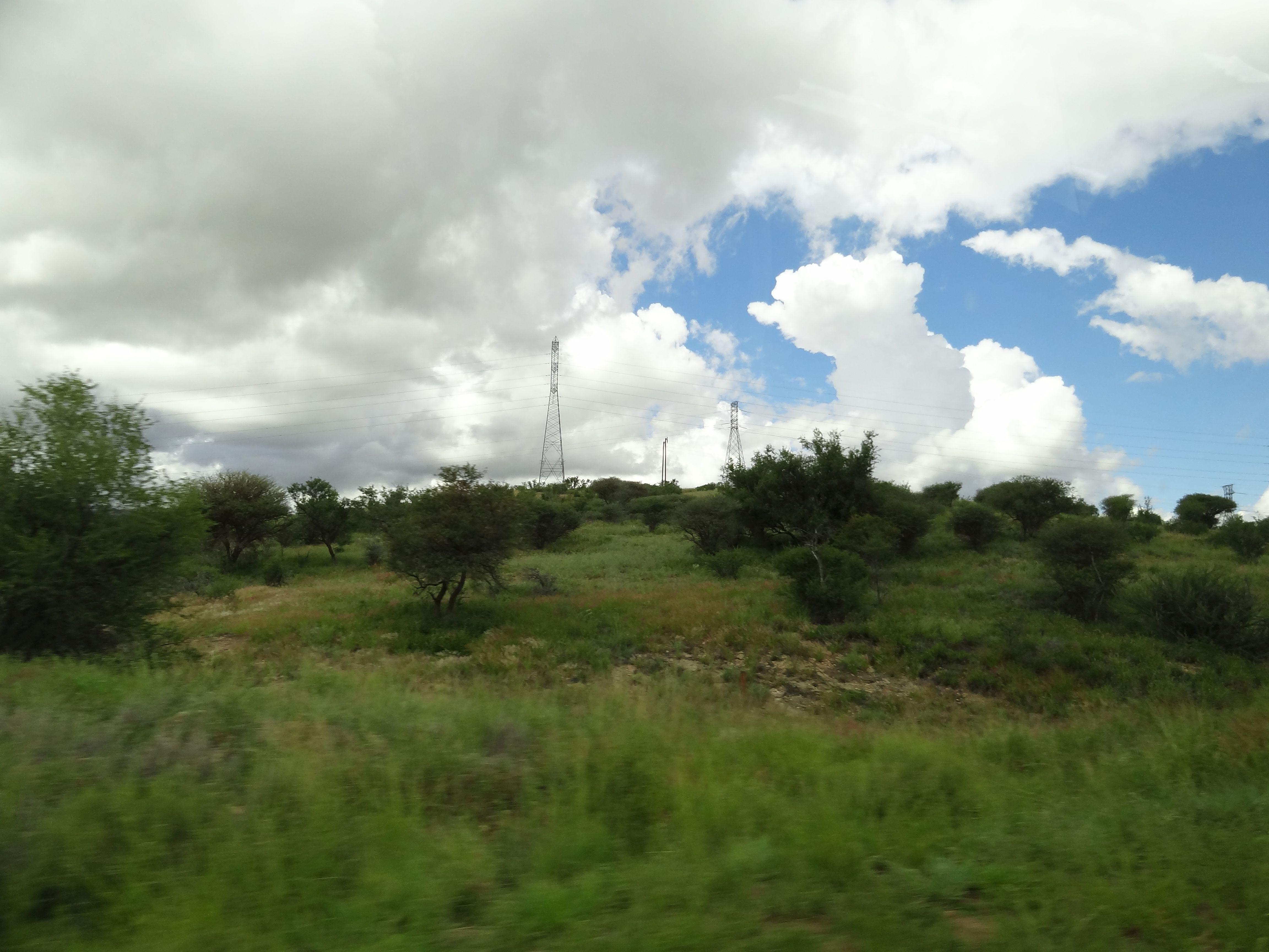 Das öffentliche Stromnetz in Namibia kann die Nachfrage nach Elektrizität nicht immer ausreichend bedienen.]