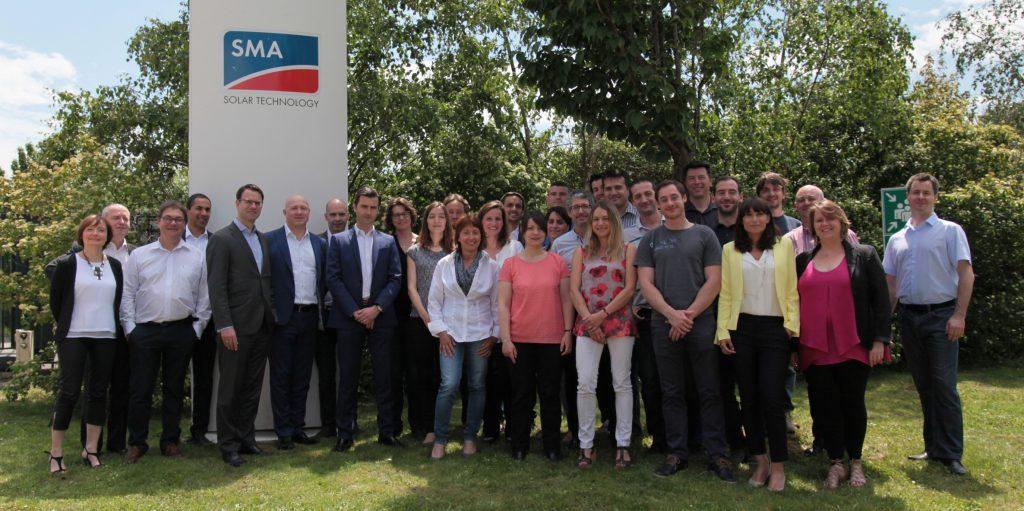 Das SMA France Team mit Vorstandssprecher Pierre-Pascal Urbon (5. v.l.)