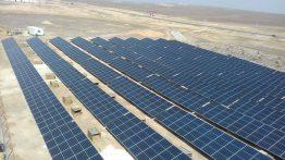 Das 2 MW-Projekt in der jordanischen Wüste ist die erste zuverlässige Stromquelle für das Flüchtlingscamp.