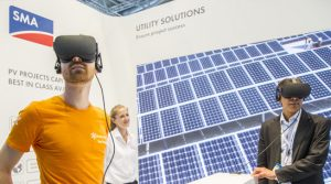 sma-at-intersolar-mit-vr_brillen